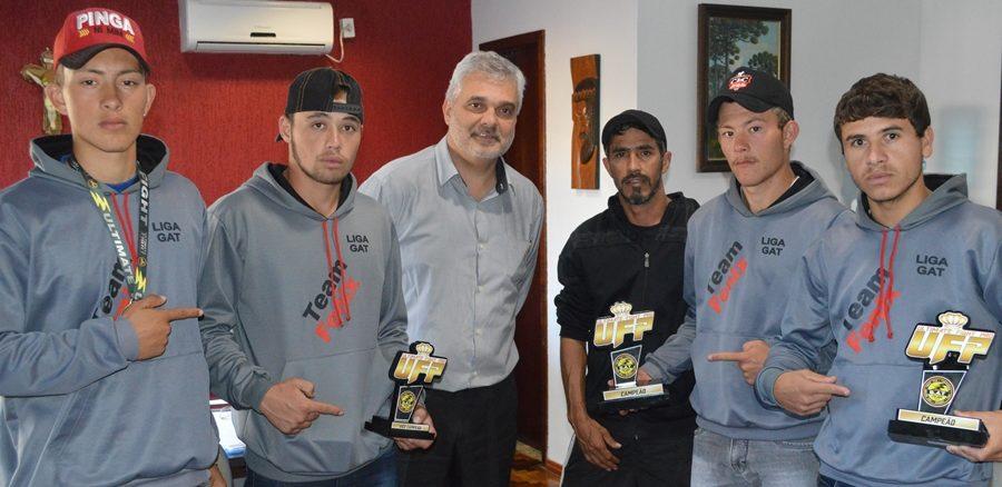 Equipe de General Carneiro participa de competição de MMA em Canela-RS