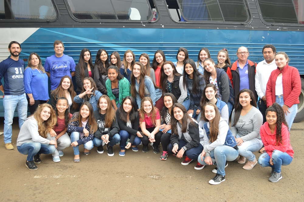 Equipes viajam para representar General Carneiro no Piá Bom de Bola